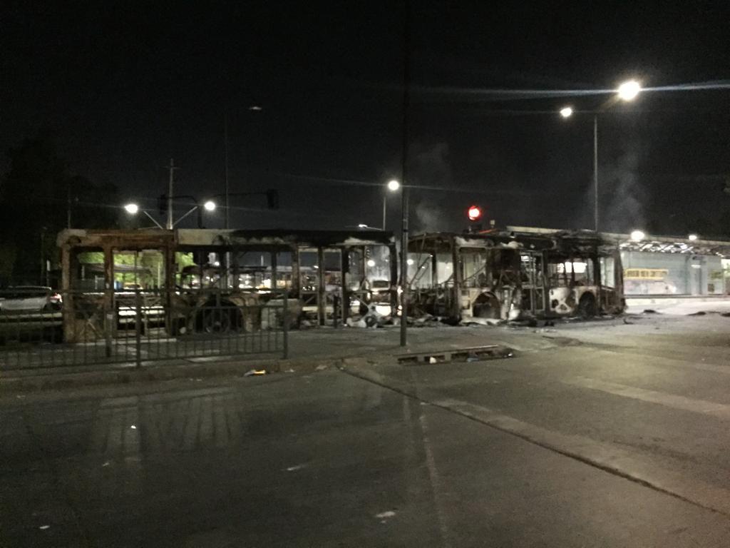 Dos micros quemadas en San Ramón | Jaime Sepúlveda | RBB
