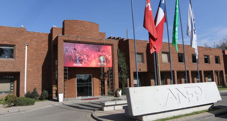 Por polémica del 'Chile 4': directorio de la ANFP denunciaría a gerente de Unión, Luis Baquedano