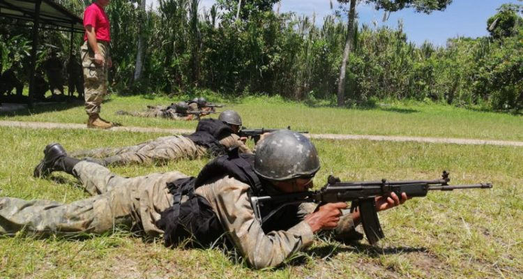 Infantes de Marina dictan cursos para la Armada de Guatemala | Armada de Chile
