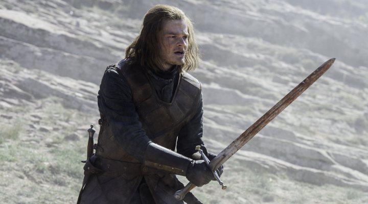 Robert Aramayo como Ned Stark