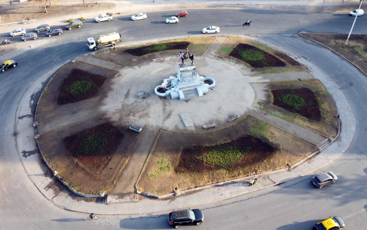 Plaza Italia con cubresuelos