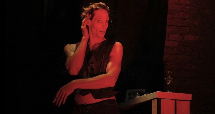 El performer, Teatro Mori (c)