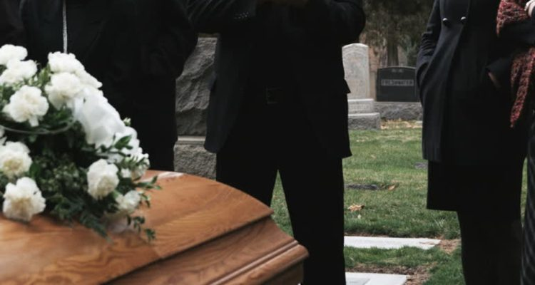 anuncian-investigacion-por-funeral-que-no-respeto-protocolos-covid-19-en-constitucion.jpg