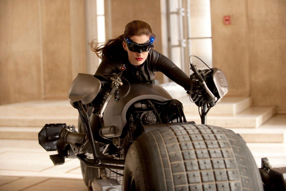 """Anne Hathaway como Gatúbela en """"Batman: el caballero de la noche asciende"""""""