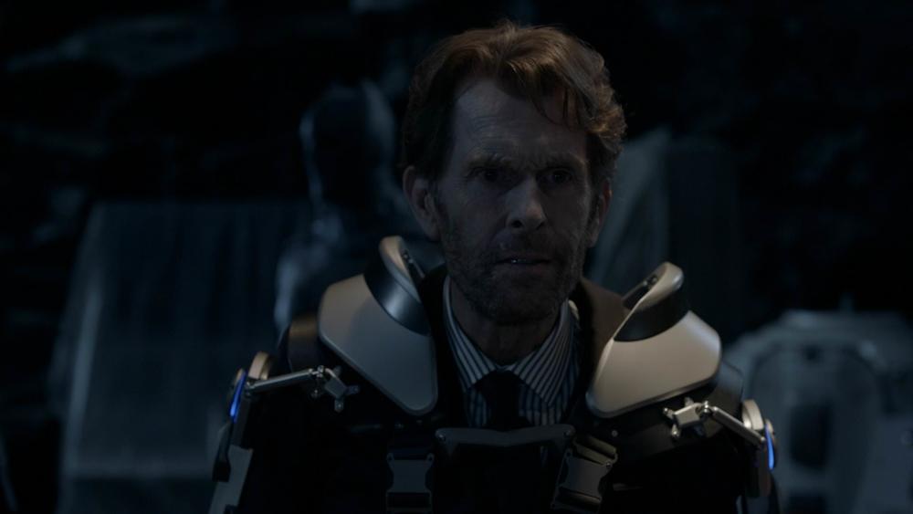 "Kevin Conroy como Bruce Wayne en ""Crisis on Infinite Earths"""