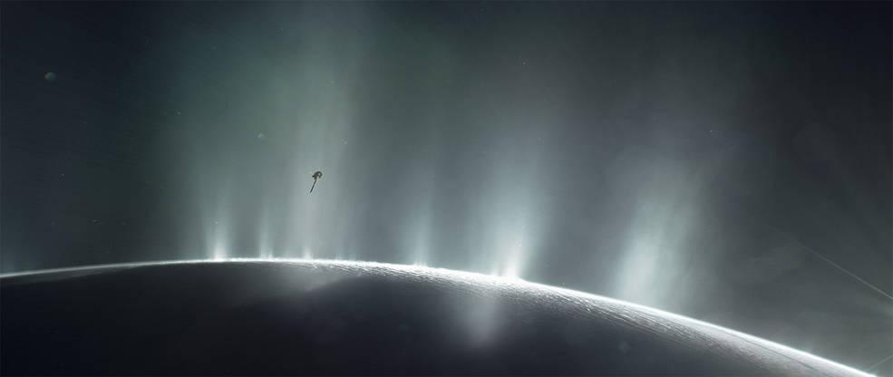 Ilustración de la nave espacial Cassini de la NASA volando en Encelado   NASA