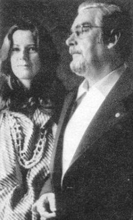 Anni-Frid Lyngstad junto a su padre biológico