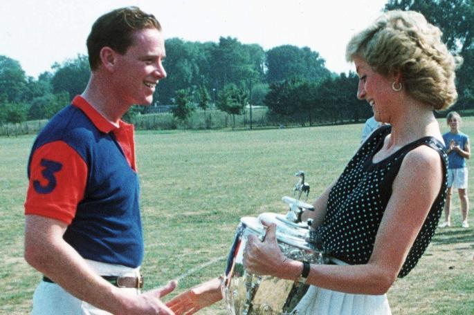 Diana y James