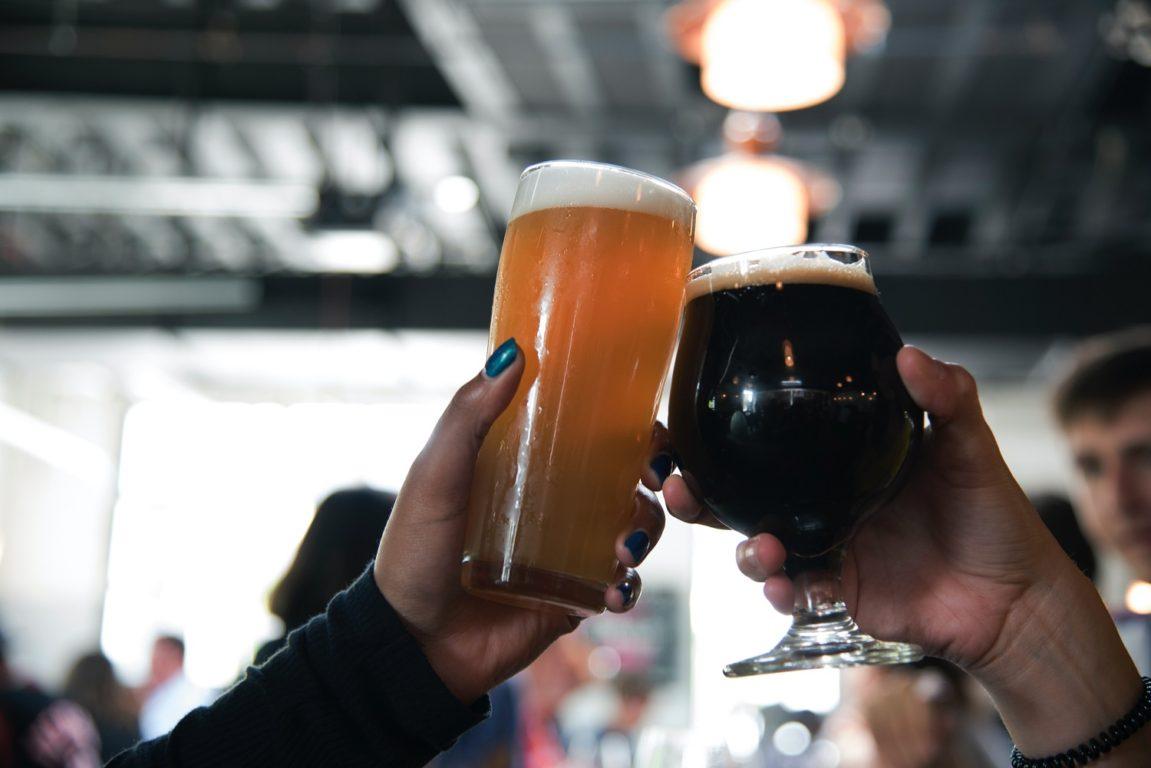 Día de la cerveza: 5 beneficios de su consumo moderado en la salud