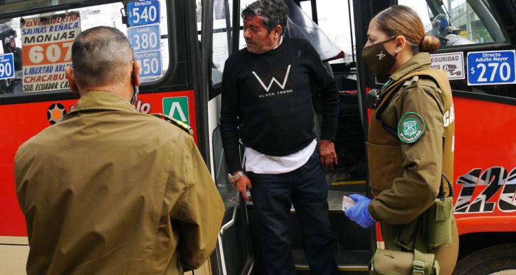 Cantante ambulante golpea a chofer que le negó show en bus de Valparaíso  por no usar mascarilla | Nacional | BioBioChile