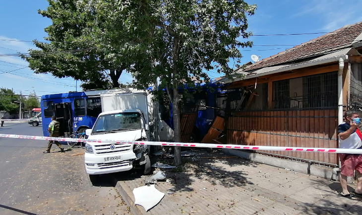 Accidente de tránsito de bus del Transantiago
