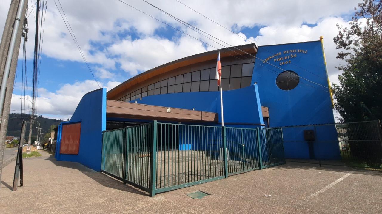 Detienen a 18 basquetbolistas por realizar práctica sin respetar su permiso sanitario en Temuco