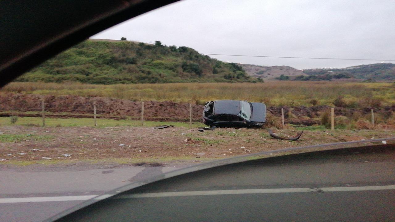 Tres personas lesionadas en volcamiento de vehículo en Coronel: ocupantes no tenían salvoconducto