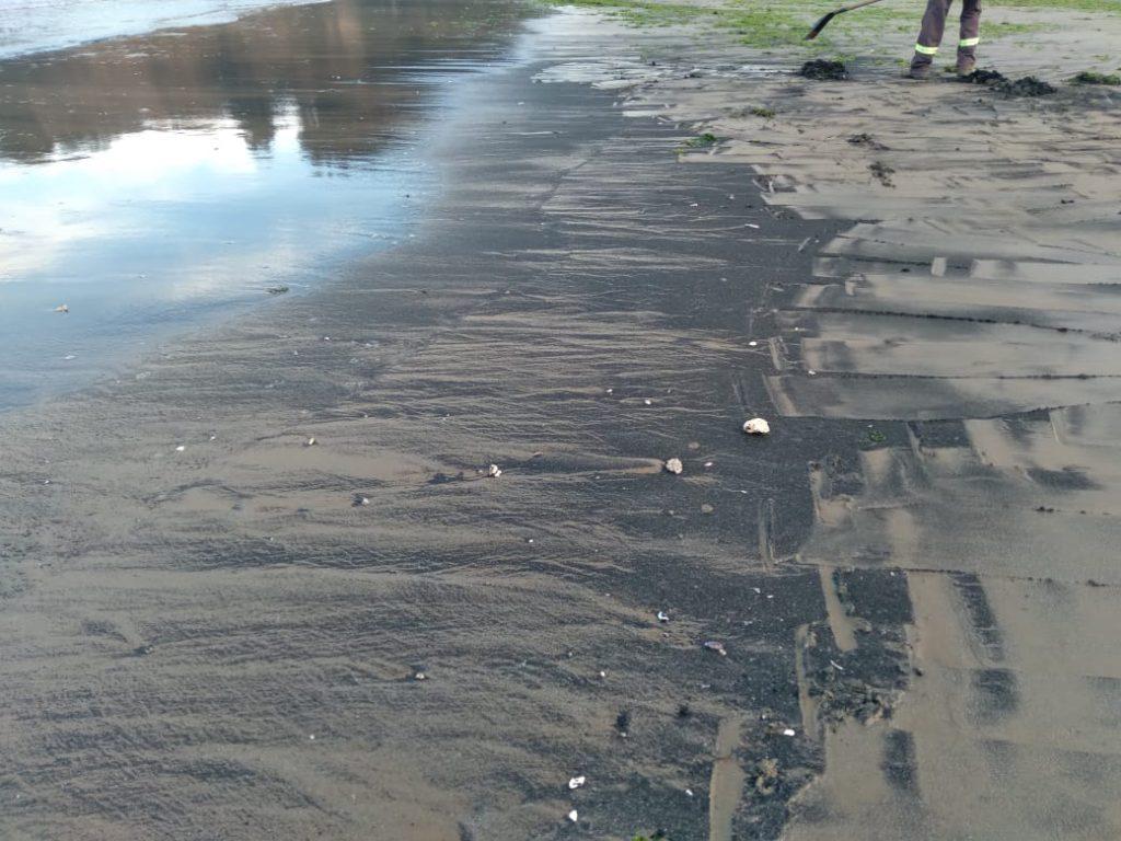 Quintero y Puchuncaví: nuevamente se registra varamiento de carbón y malos olores