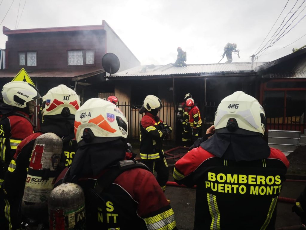 Incendio en sector la Paloma de Puerto Montt