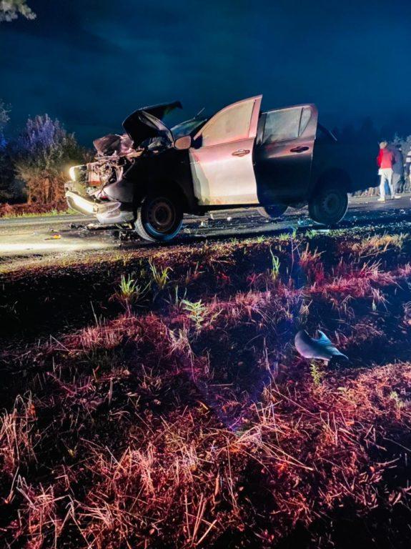 Una persona fallecida y 3 lesionados deja colisión entre una camioneta y una moto en Collipulli