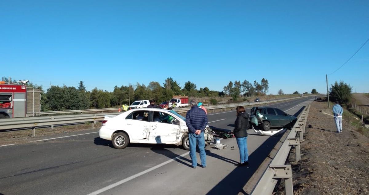 vehículos protagonizaron accidente de tránsito en Ruta 5 Sur