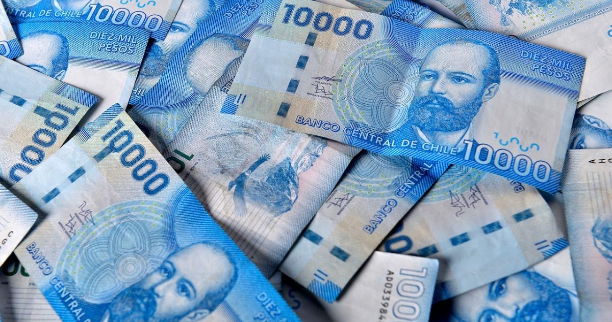 dinero IFE Universal