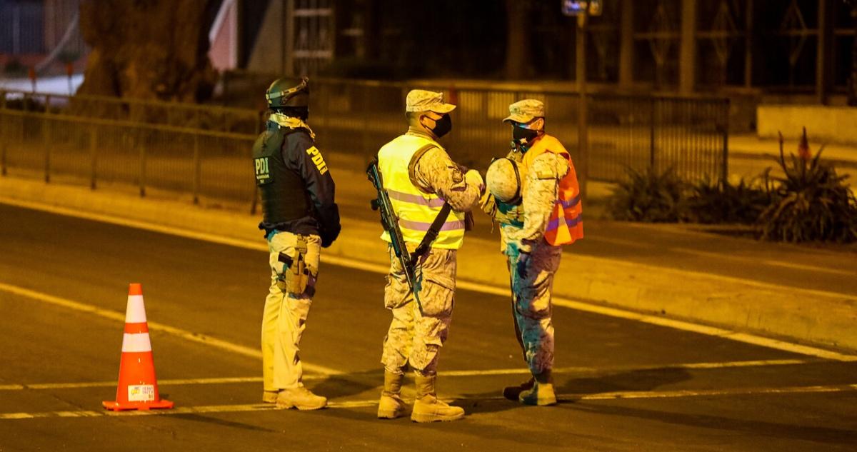 Ejército y PDI resguardan toque de queda