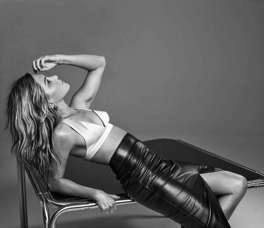 Jennifer Aniston posando para la revista Interview