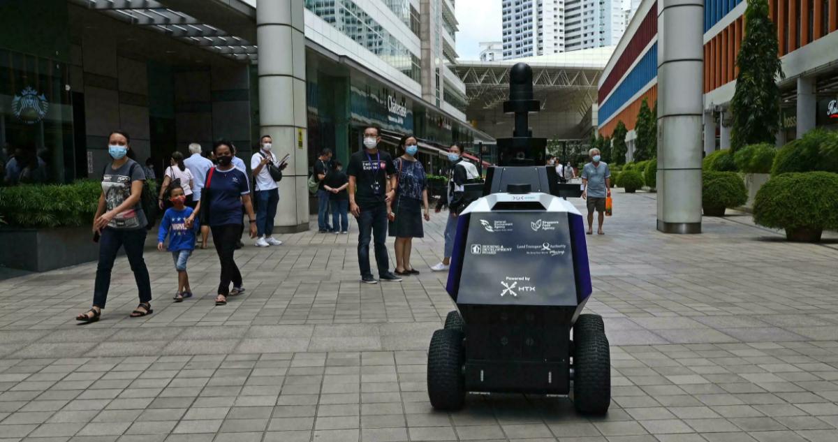 Xavier robots patrulleros con ruedas y cámaras generan inseguridad en Singapur